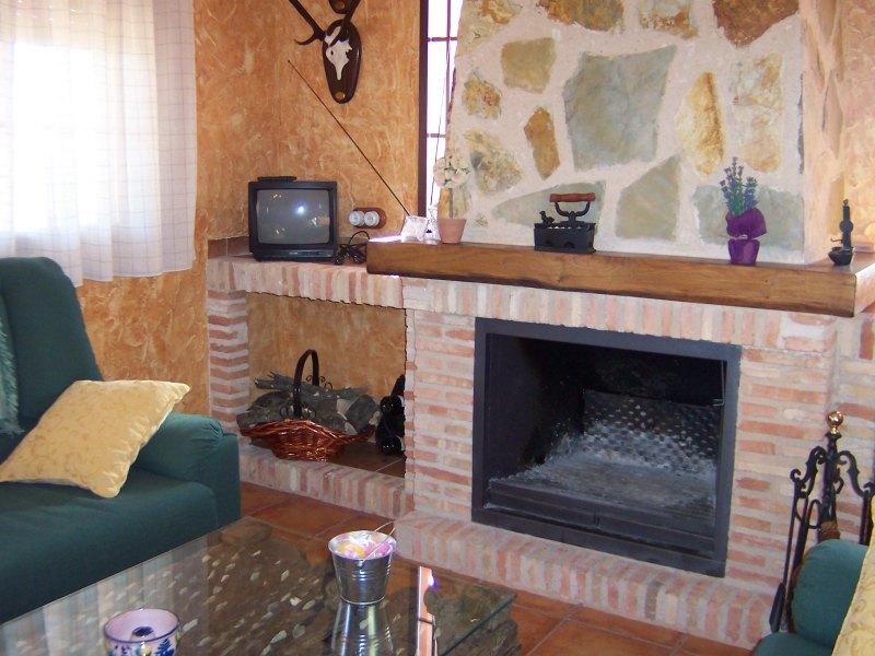 Aldeaquemada jaen casa rural la aldehuela chimenea - La chimenea decoracion ...